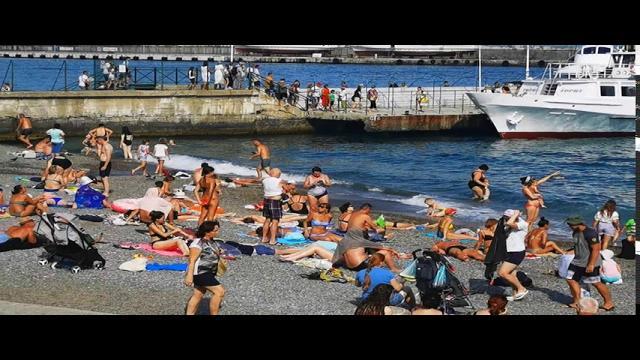 Ялта 2020 На Пляжах нет мест! Люди теснятся на маленьком пляже с Катерами! Цены в Ялте 2020 КРЫМ